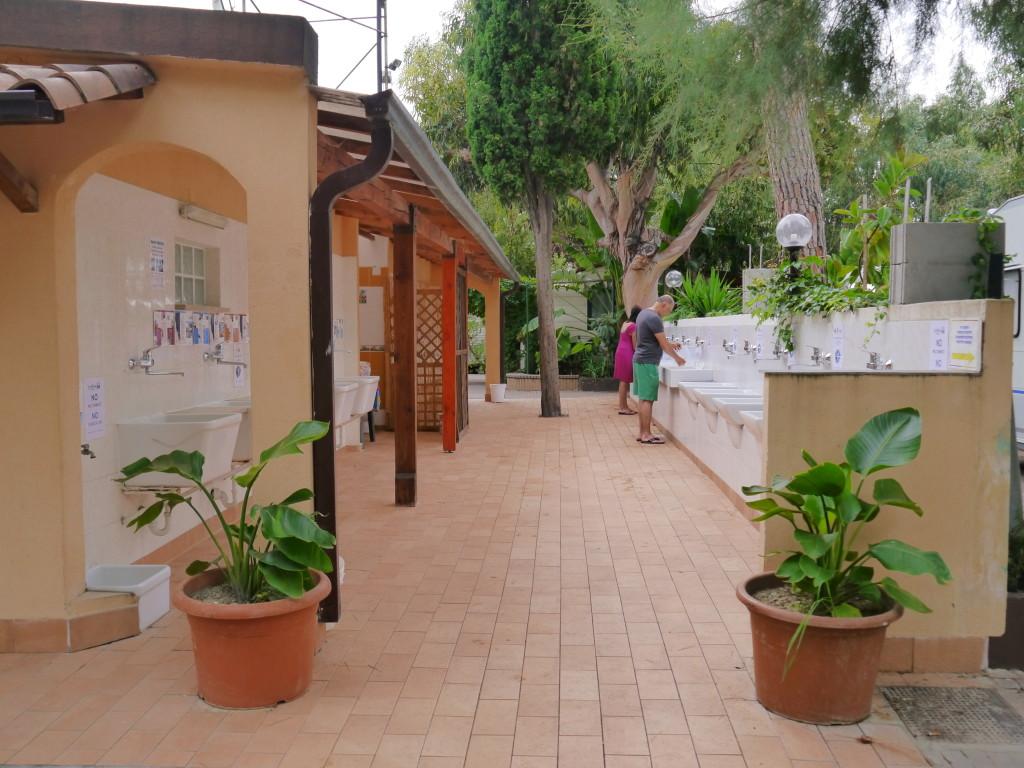 Camping Villaggio dei Fiori Sanremo- łazienka