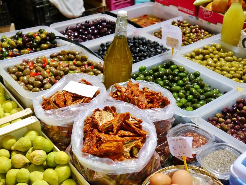 Ventimiglia targowiskoMieli tam chyba wszystkie możliwe rodzaje oliwek!