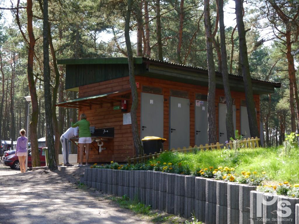 """Mała łazienka na campingu """"Stogi"""" nr 218 w Gdańsku"""