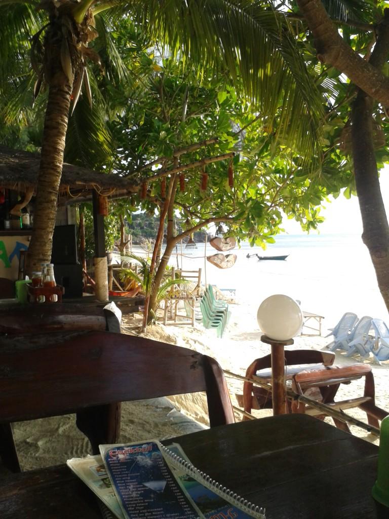 Bar z tanim jedzeniem przy Haad Yao Koh Phangan