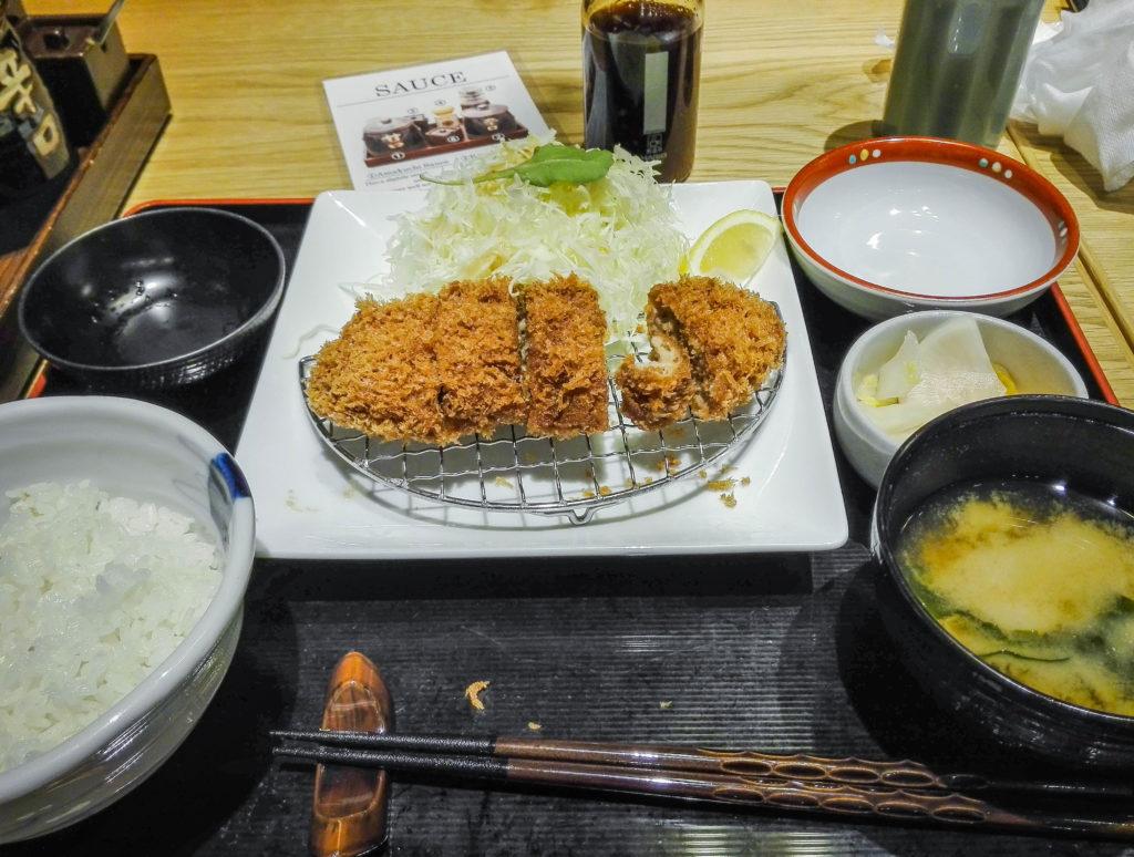 Tonkatsu Shibuya w Tokio (Japonia) by Podróże Szczęściary