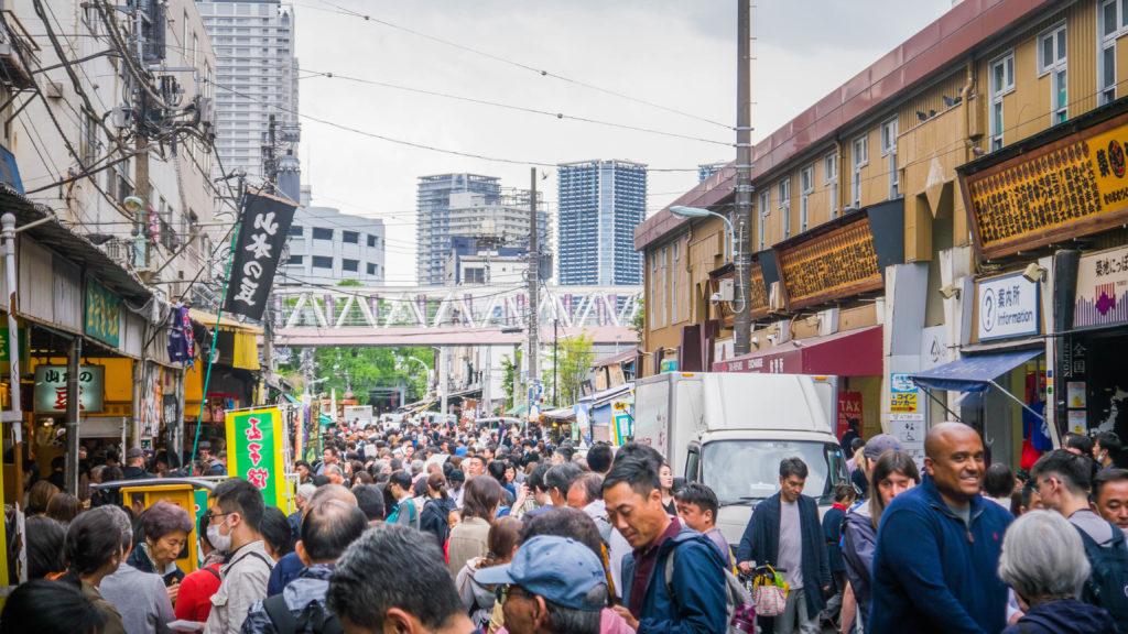 Tsukiji Outer Market w Tokio (Japonia)