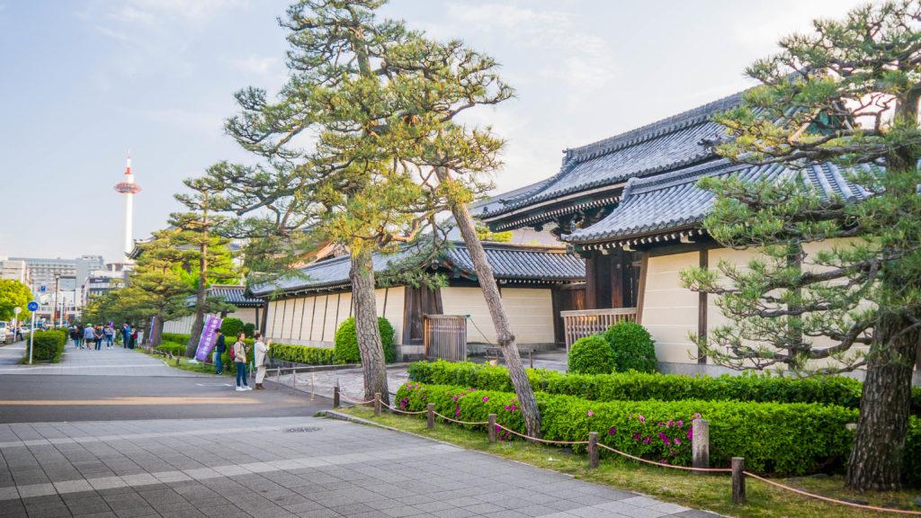 Tradycyjny 100-letni dom w Kioto w Japonii i Higashi Hongan-ji